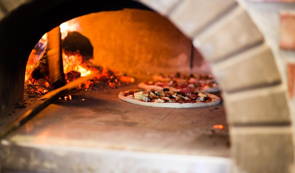 مشروع مطعم بيتزا ومعجنات وفطائر في السعودية كم يكلف وكم ارباحة