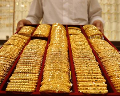 اخيراً بعد 16 سنة وزارة العمل تسعى لتوطين وسعودة قطاع الذهب في مهلة شهرين