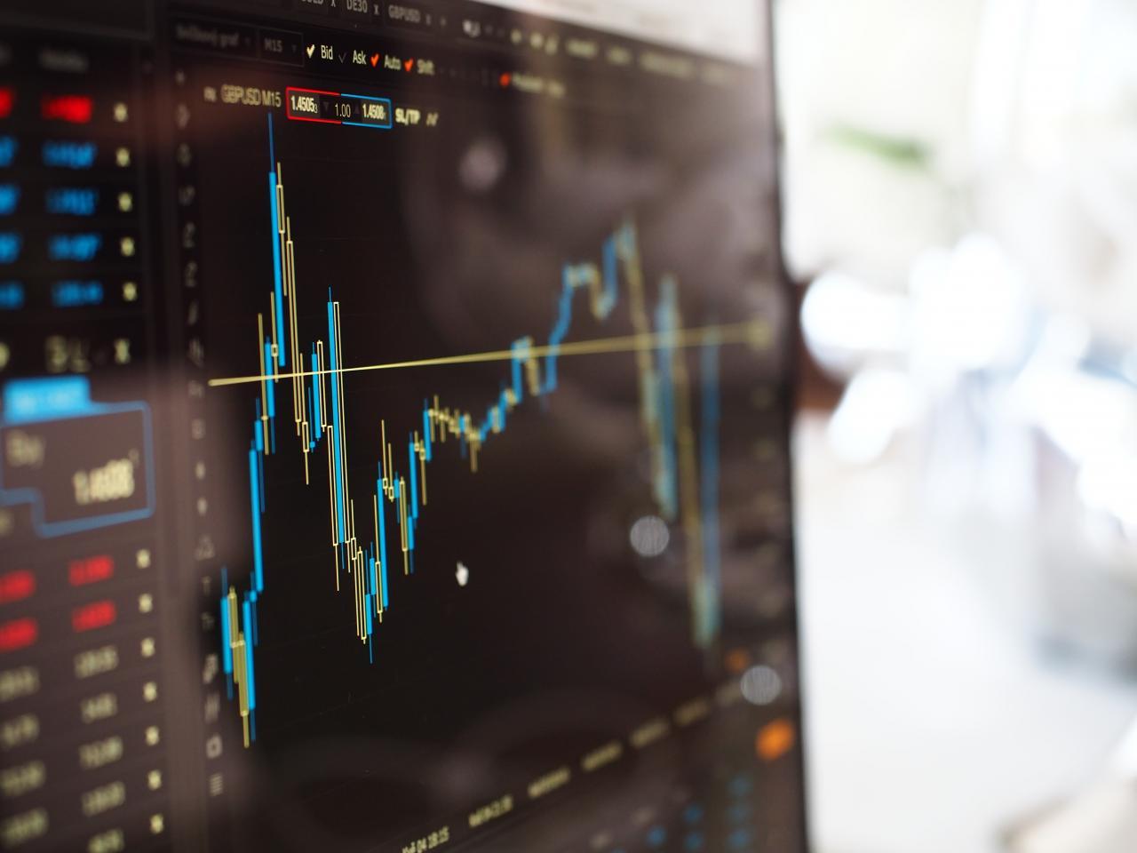 الاستثمار في الأسهم دليلك الشامل بالمعلومات المهمة